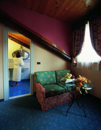 Junior suite con vasca jacuzzi o doccia sauna   best western hotel ...