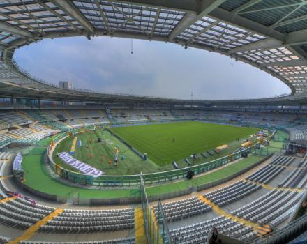 The Olympic Stadium in Turin is easily accessed by public transport. At the request Juventus match ticket booking, booking tickets or tickets for concerts, Turin